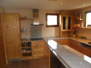 Küche fichte massiv, gebeizt, lackiert, Arbeitsplatte Granit